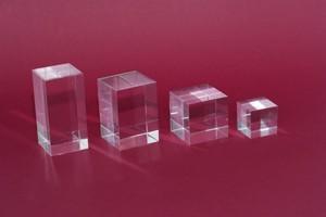 Cubetti in acrilico colato trasparente lucidi mm.40x80 Cod.CQ40/